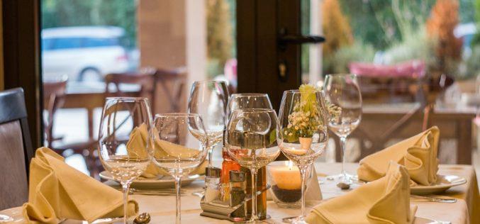 ¿Cómo promueven los restaurantes la responsabilidad social?