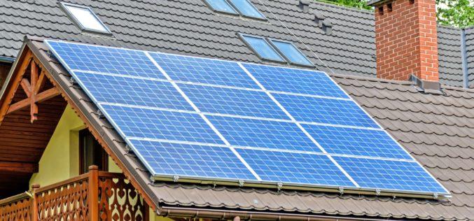 Energía sustentable: Qué se debe tener en cuenta para instalar un panel solar en la casa