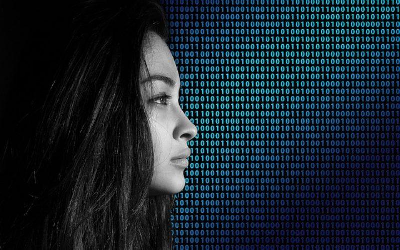 Tecnopolítica o cómo cambia la tecnología la comunicación política y la vigilancia ciudadana