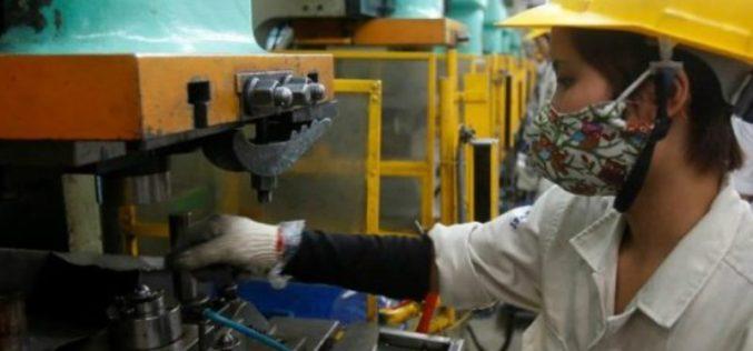 Francia multará a empresas que no eliminen la brecha salarial de género
