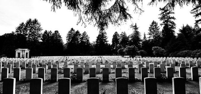 Una muerte ecológica (o cómo pasar por la vida sin dejar rastro)