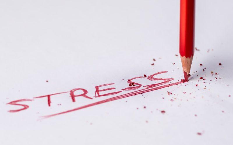 4 de cada 10 mexicanos padece estrés laboral