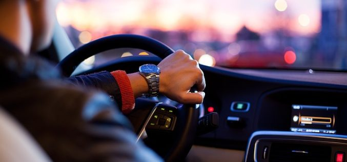 ¿Cómo reducir la huella de carbono a través de una conducción eficiente?