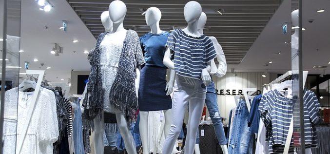 Las ventas de ropa de segunda mano están en auge y pueden ayudar a resolver la crisis de sostenibilidad en la industria de la moda.
