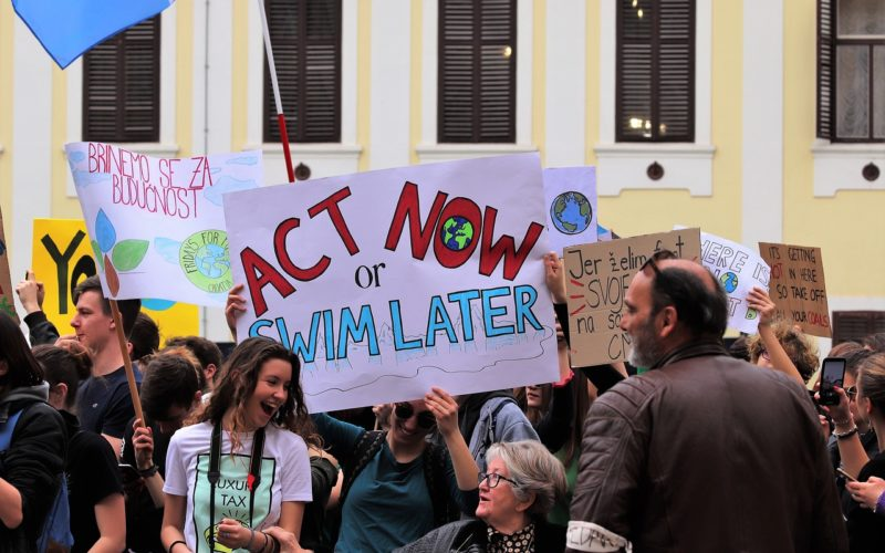 Nueva ola de huelgas climáticas tiene lugar en todo el mundo