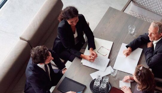 Solo el 15% de los cargos directivos están ocupados por mujeres en América Latina y el Caribe